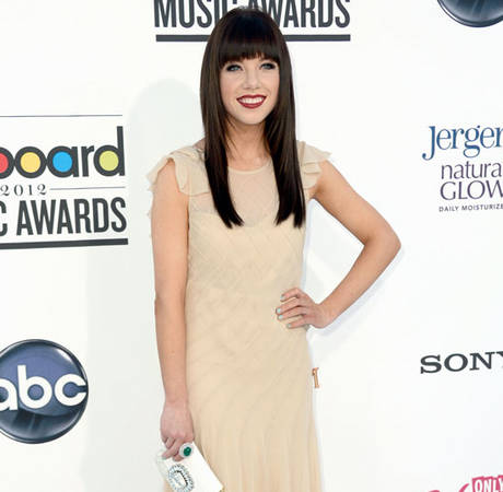"Carly Rae Jepsen Breaks Up With ""Call Me Maybe"" Boyfriend, Already Dating Someone New"