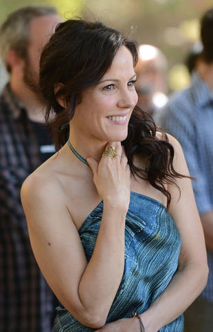 Weeds Star Mary-Louise Parker Has Never Smoked Pot