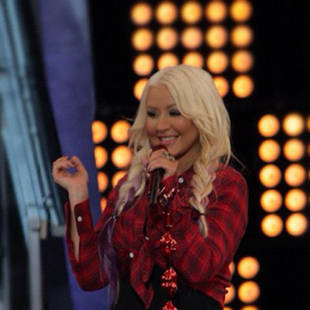 Christina Aguilera Debuts Sexy Country Western Look and Purple Hair on The Voice Season 3! (PHOTO)
