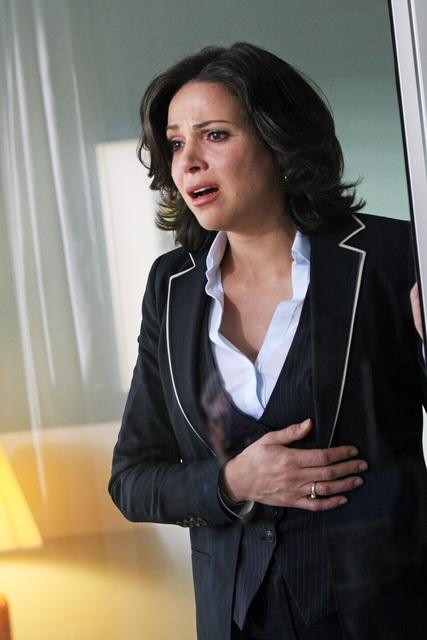 "Once Upon a Time Season 2 Spoilers: Lana Parrilla on Regina's Plan to ""Destroy Mr. Gold"""