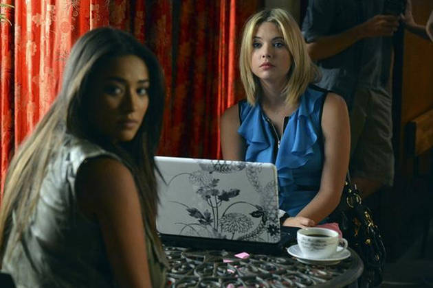 Caption This: What Are Hanna and Emily Looking at on Season 3, Episode 10?
