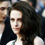 Kristen Stewart Haters Can Now Buy Insulting T-Shirts: Is That Bullying?