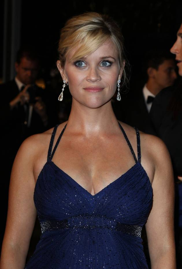 Pregnant Reese Witherspoon Is Still in the Hospital: Is Everything OK With Her Baby?