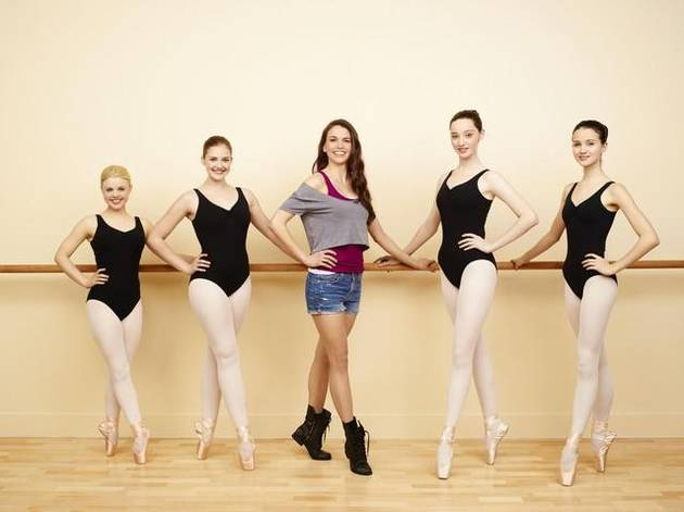 Bunheads' Sutton Foster Spills on Godot's Return, Romance, and Laying Down Roots in Paradise – Exclusive