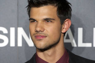 Taylor Lautner Says He's Open to Dating Fans!