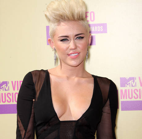 Miley Cyrus Shares Wedding Details at 2012 MTV VMAs