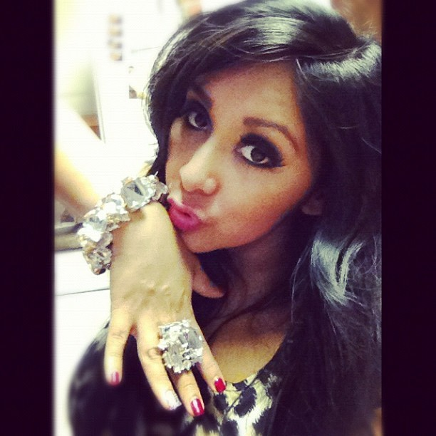 Snooki's Huge New Bling — Is It From Jionni? (PHOTO)