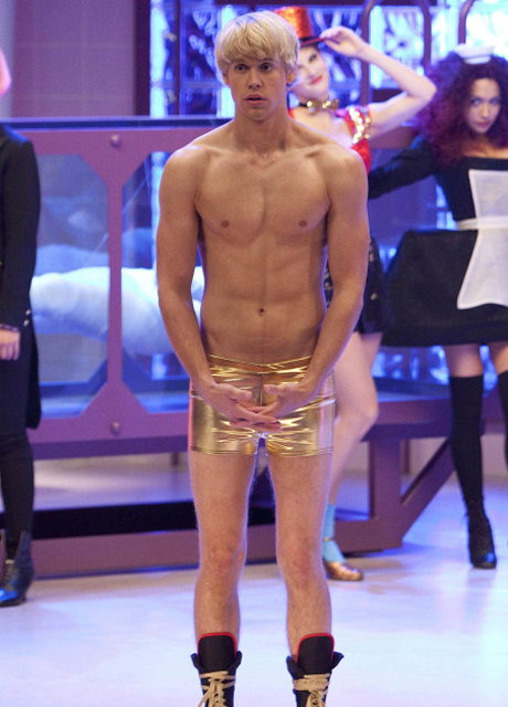Glee Season 4 Spoilers: Sam Is Shirtless, But It's [Spoiler] Who's Heating Things Up With Sugar!
