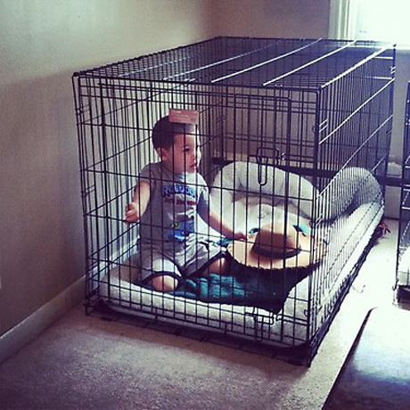Fans Slam Kailyn Lowry For Letting Isaac Play in a Dog Cage: Whose Side Are You On?