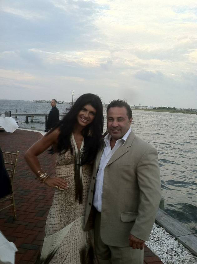 Teresa and Joe Giudice Attend a Wedding in Matching Outfits (PHOTO)