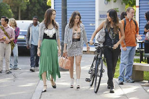 Pretty Little Liars Season 3B Premiere Spoiler Roundup: Mona, Byron, and the Liars Arguing