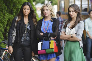 Pretty Little Liars Spoilers: 10 Hints About the Season 3 Winter Premiere