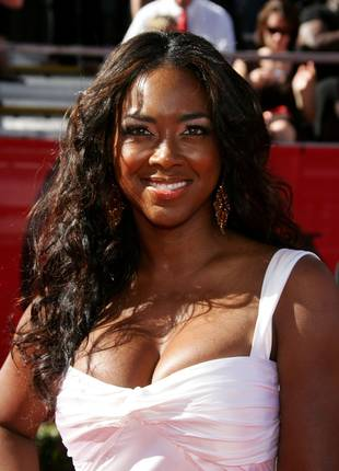 Kenya Moore Asks Walter Jackson if He Is Attracted to Her: What Does He Say? (VIDEO)