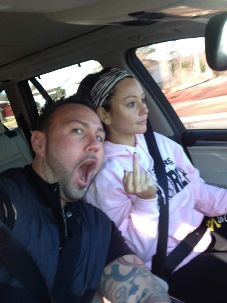 JWOWW Goes Makeup Free in Public: Where Did She Dare to Bare? (PHOTO)