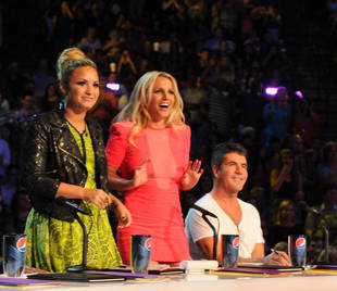 Demi Lovato and The X Factor Win 2013 People's Choice Awards!