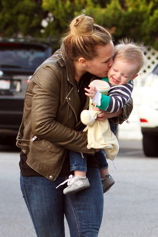 Hilary Duff Showers Her Son With Kisses While Shopping — Adorable Alert! (PHOTO)