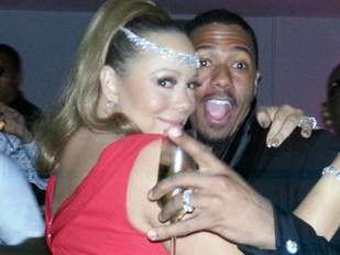 Mariah Carey and Nick Cannon Celebrate New Year's in Australia (PHOTO)
