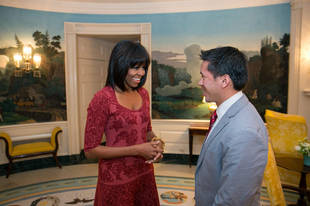 Michelle Obama's New Bangs: Love or Leave? (PHOTO)