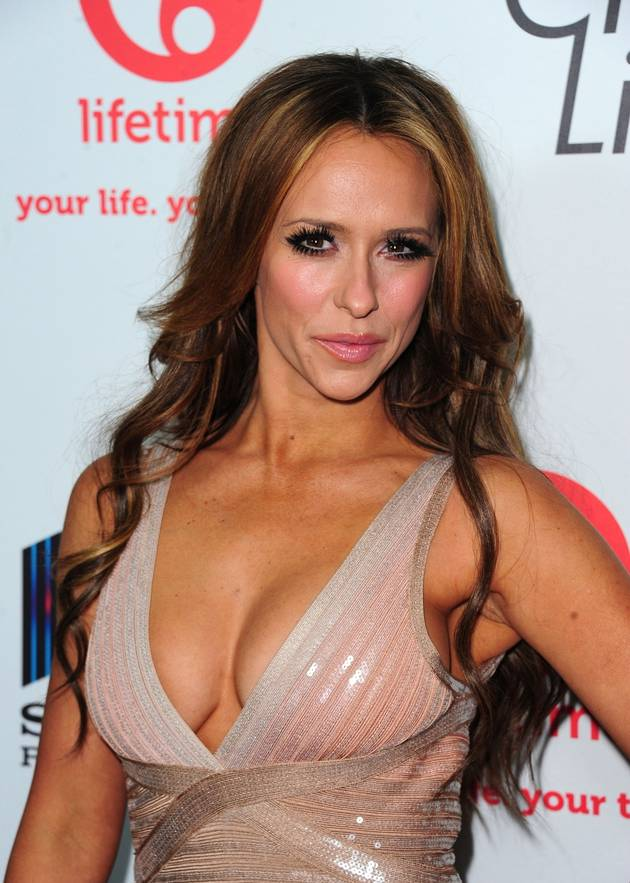 Jennifer Love Hewitt Wants to Be Maxim's Sexiest Woman, May Be Shooting The Client List Scenes Nude