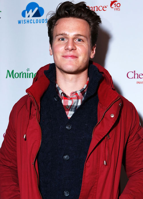 "Jonathan Groff Has ""Hardcore"" Feelings on Who Rachel Should Date! — Exclusive"