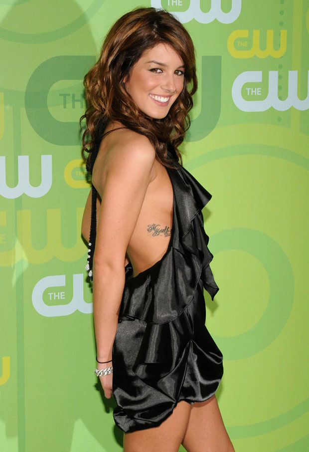 """Shenae Grimes's Fiance """"Loves and Adores Her — They Have the Most PDA Ever"""""""