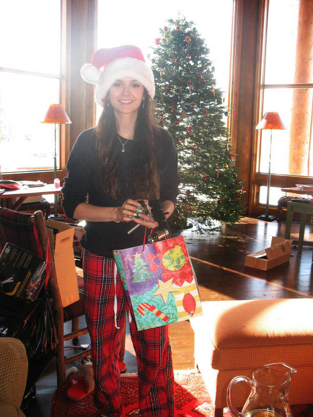 Nina Dobrev Is a Happy Little Santa: Vampire Diaries Cute Pic of the Day
