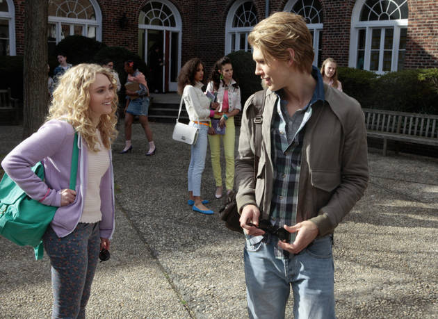 "The Carrie Diaries Season 1, Episode 1, ""Pilot"" Synopsis: Everything Is Possible"