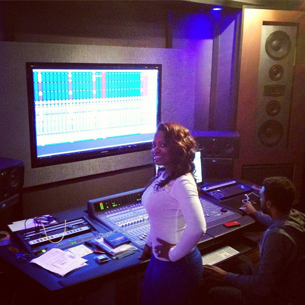 Kandi Burruss Is Back in the Recording Studio — But There's a Catch! (PHOTO)