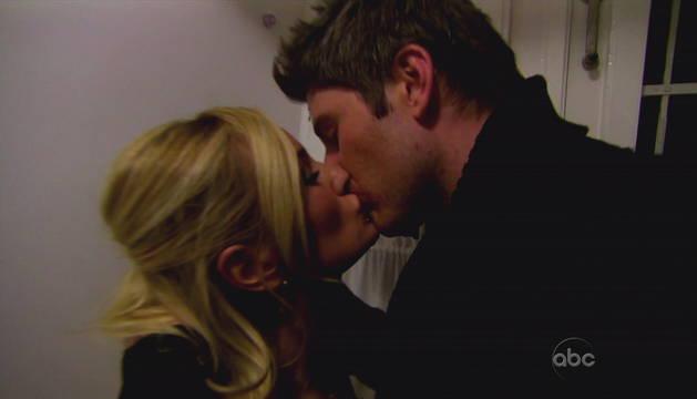 Sean Lowe Gets Kissing Advice — From Arie Luyendyk Jr.