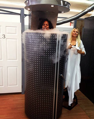 """Amber Riley's Cryotherapy For Dancing With the Stars Injuries: Stuck Inside """"Torture Chamber""""?! (PHOTO)"""