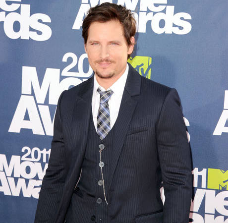 """Peter Facinelli's Girlfriend: His Romantic Deeds Are """"Too Graphic"""" to Report"""