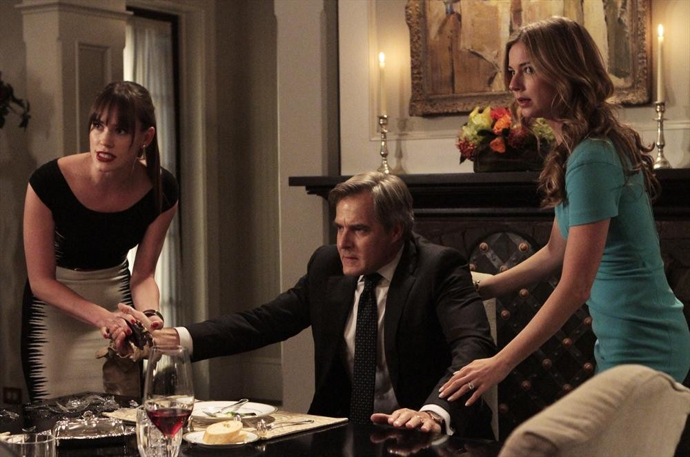 Revenge Season 3, Episode 2 Sneak Peeks: Patrick Comes Over For Dinner, Conrad Gets Sick (VIDEOS)