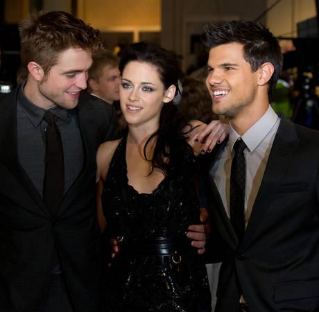 Was Robert Pattinson in Titanic? 3 Weird Fan Questions, Answered
