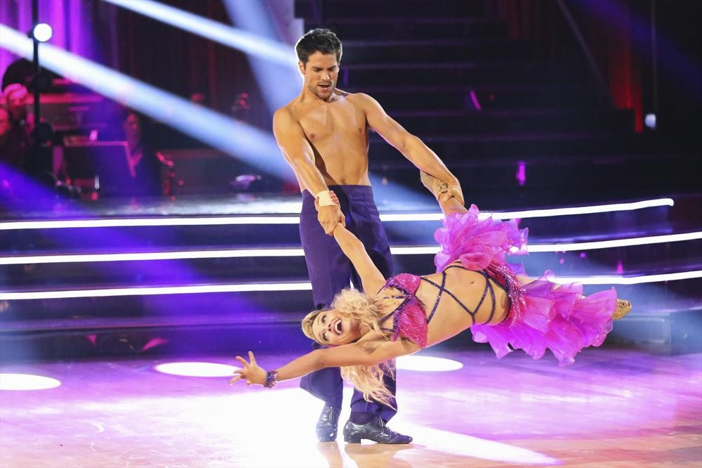Dancing With the Stars 2013: Brant Daugherty and Peta Murgatroyd's Week 5 Contemporary (VIDEO)