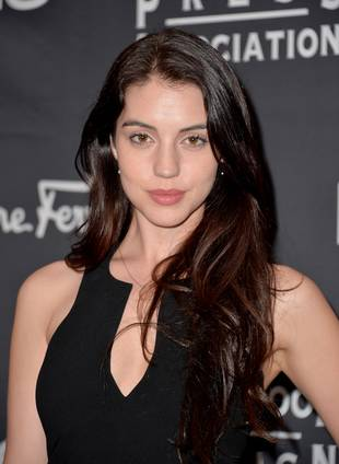 Reign Star Adelaide Kane Reveals Struggles With Anxiety (VIDEO)