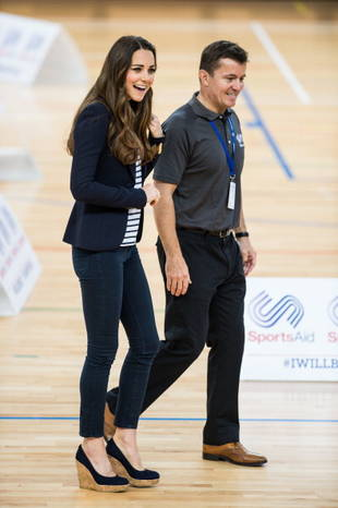 Kate Middleton Looks Smashing Playing Volleyball in Her First Solo Engagement Since Giving Birth (PHOTO)