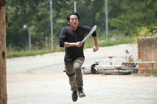 """The Walking Dead Season 4 Episode 2 Recap: Who Died? Who Burned? Who May Be """"Infected""""?"""