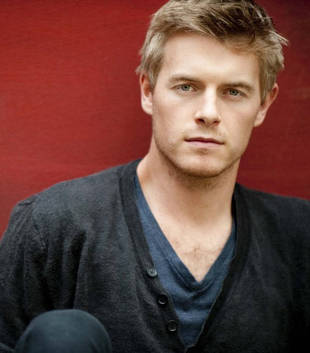 The Vampire Diaries Speculation: What Is Dr. Wes Maxfield Hiding?