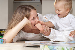 """""""You're A Stay-At-Home Mom? What Do You DO All Day?"""" Blog Post By Male Writer Goes Viral"""