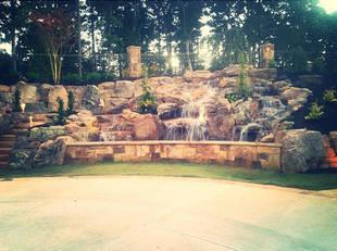Check Out Kim Zolciak's Elaborate Waterfall! (PHOTO)