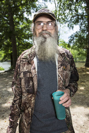 "Duck Dynasty Star Uncle Si Opens Up About Secret Wife: ""One Woman's Got My Heart"""