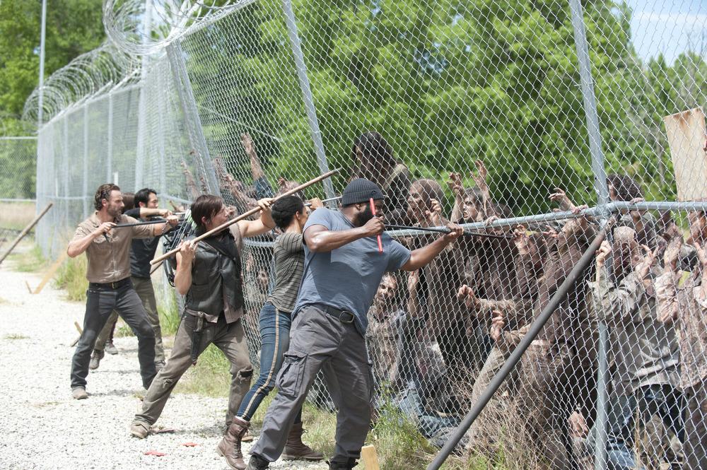 The Walking Dead Season 4 Spoilers: Will Team Prison Go to Alexandria Safe-Zone?