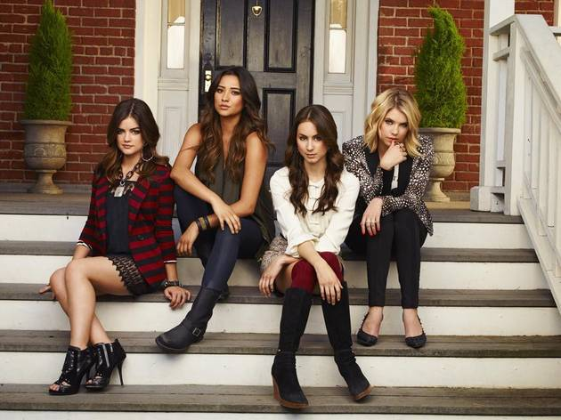 Which Pretty Little Liars Star Does NOT Ship Ezria?