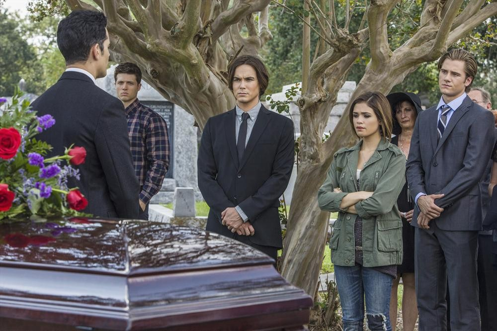 """Ravenswood Episode 3 """"Believe"""" Synopsis — A Seance, a Funeral, and a Naysayer"""