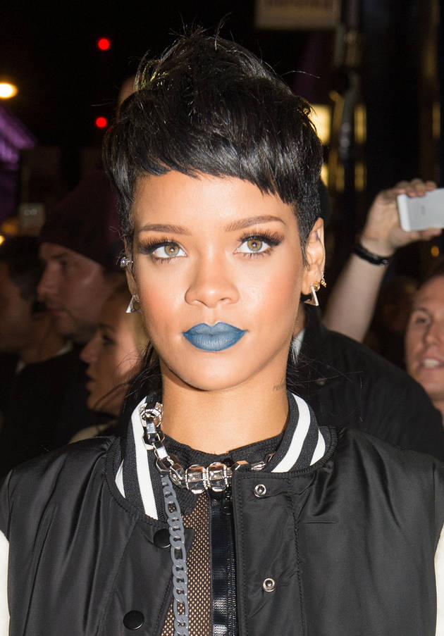Rihanna Gets a Painful New Tattoo in New Zealand — Watch the Video!