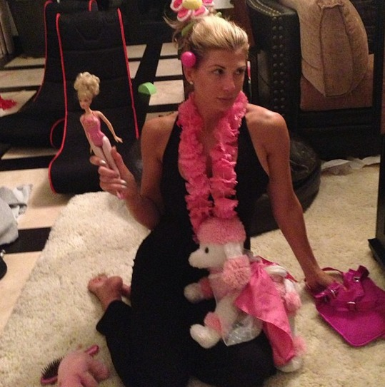 "Alexis Bellino Shows Off Her ""Pink-a-licious"" Look — Love It or Leave It? (PHOTO)"