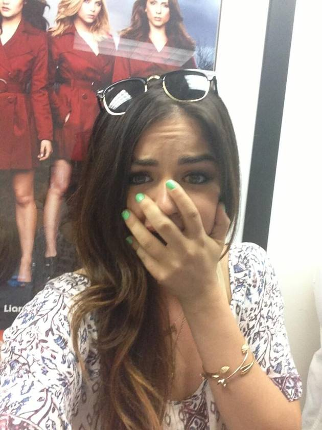 """Pretty Little Liars Spoilers: Aria Learns Ezra's """"A"""" — Goes Crazy With Anger!"""