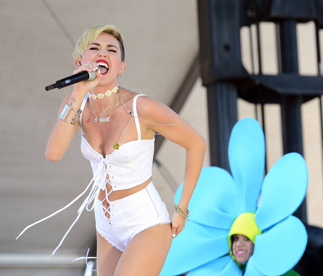 Miley Cyrus Gets Million Dollar Offer From Porn Company — Report