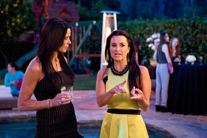 "Kyle Richards Says New Housewife Carlton Gebbia Is ""A Little Dark"""