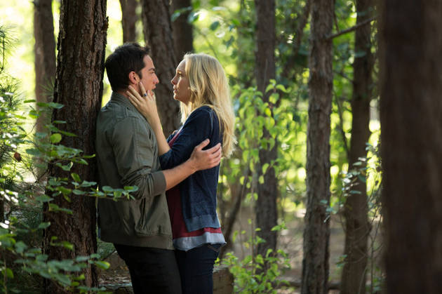 The Vampire Diaries Season 5, Episode 5: Caroline and Tyler Kiss and Make-Up